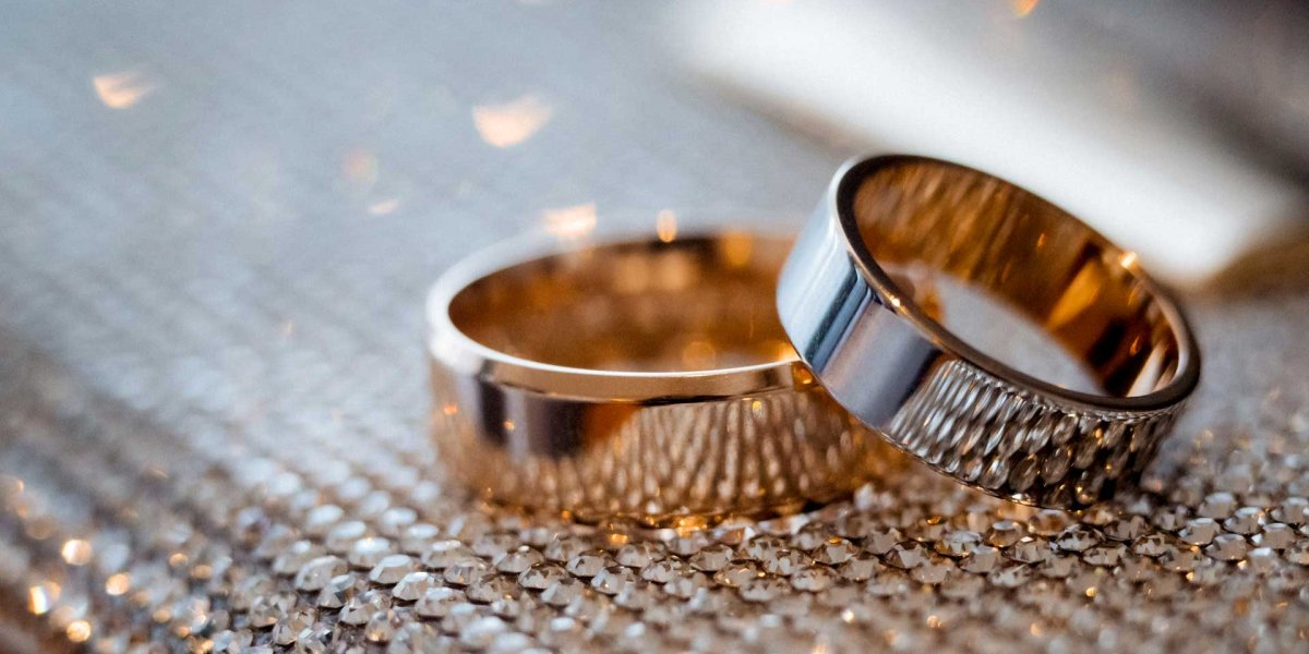 wedding-rings-NM87YR6_30.jpg